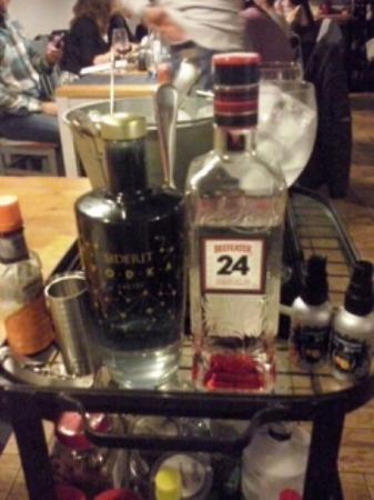 Carrito de bebidas fotograf a de el pericote de tanos torrelavega tripadvisor - Carrito bebidas ...