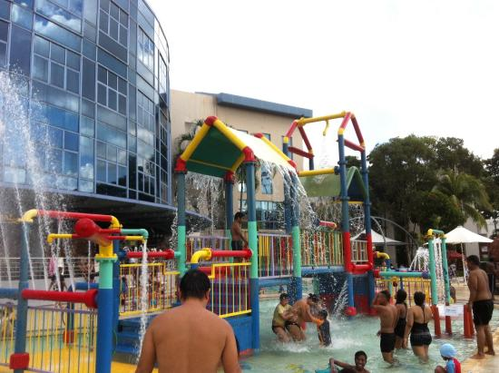 Jurong East Swimming Complex : Water playground for kids