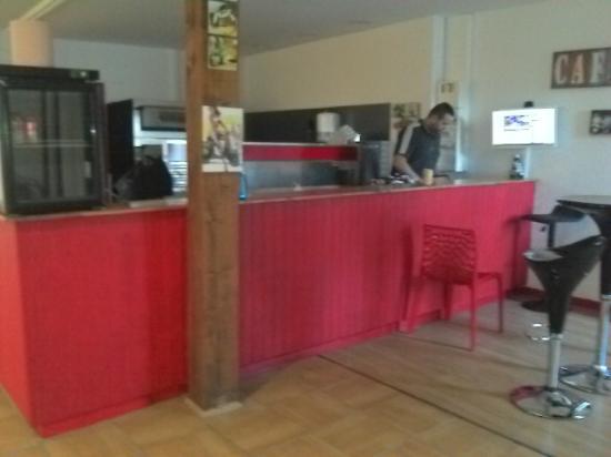 Coutras, Франция: pizza.  panini. sandwiches  le midi