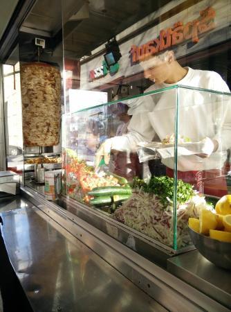 h hnchen d ner picture of mustafa 39 s gemuese kebab berlin tripadvisor. Black Bedroom Furniture Sets. Home Design Ideas