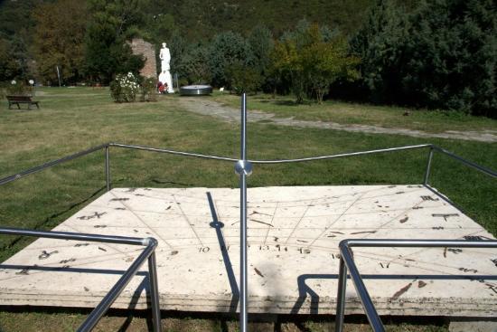 Aristotle Park - the solar clock