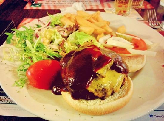 Fat Boys Sports Pub : Hamburger BBQ