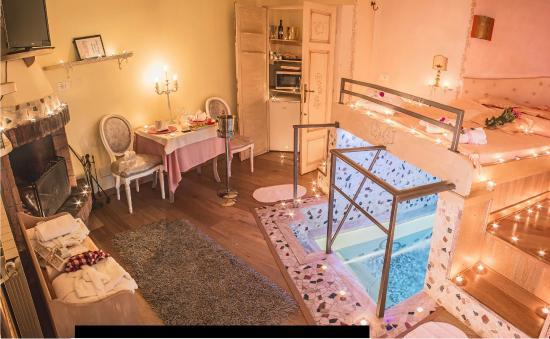 Lorenzana, Italia: SUITE IVORY