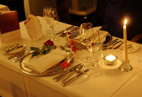 Mercure Hotel Krefeld: professional table setting for a good dinner