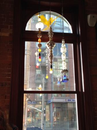 Gladstone Hotel: Art in the Cafe