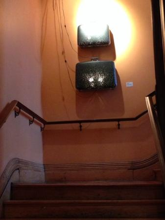 Gladstone Hotel: Art in the stairwell
