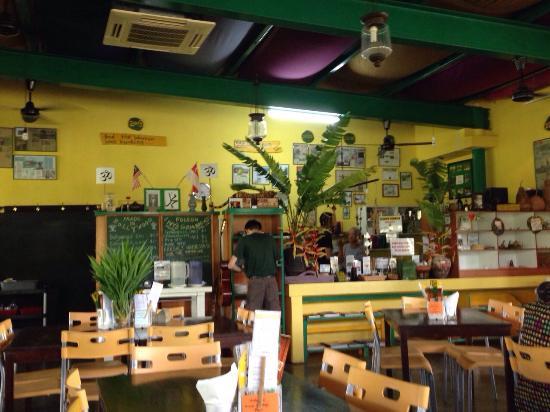 Laid back atmosphere foto de poison ivy singapura for Garcons restaurant singapore
