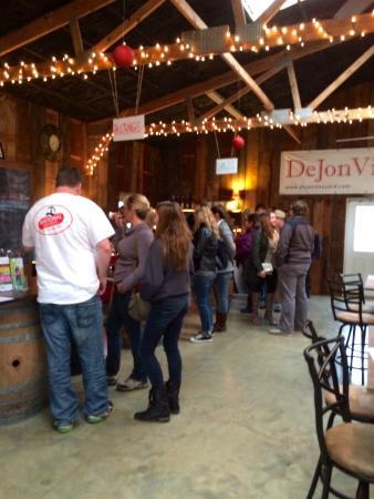 Hydes, MD: The DeJon Vineyards Tasting Room