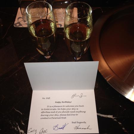 Hotel Arista: Birthday surprise!