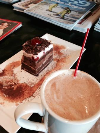 Emilie Dessert Cafe