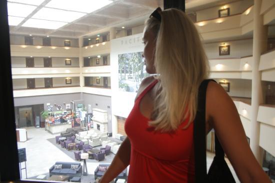 Swiss Grand Resort and Spa: лифт отеля