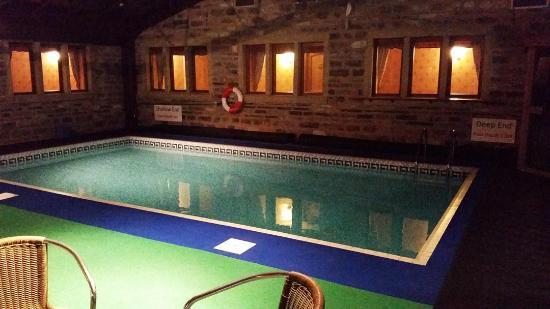 Leeming Wells Guest Accomodation: indoor Pool