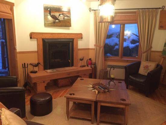 The Refuge - Comfort & Suites: Lovely living room
