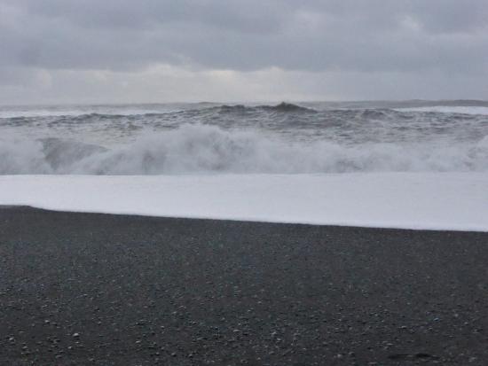 Reynisfjara Beach: the boiling sea