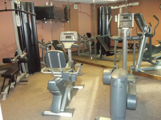 Econo Lodge Inn & Suites: gym 2