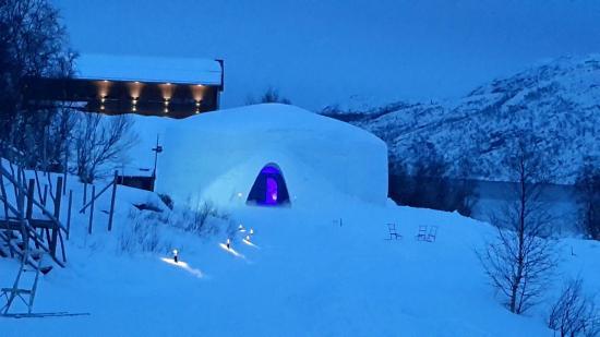 Kirkenes Snowhotel January 2015.