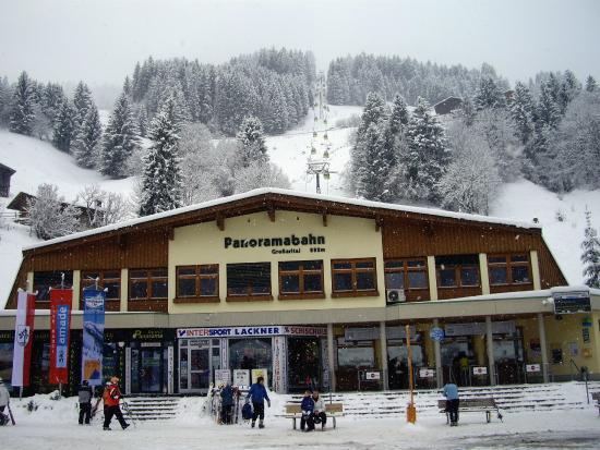 Hotel Neuwirt: Panoramabahn Talstation
