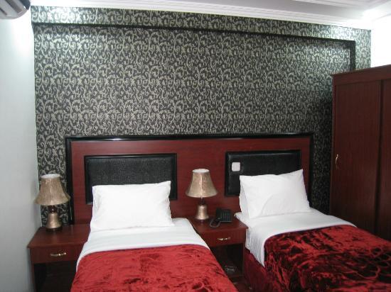 Дубай отель 2 звезды торговые центры в рас аль хайме