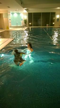 Swimming pool picture of crowne plaza marlow marlow tripadvisor for Swimming pools buckinghamshire