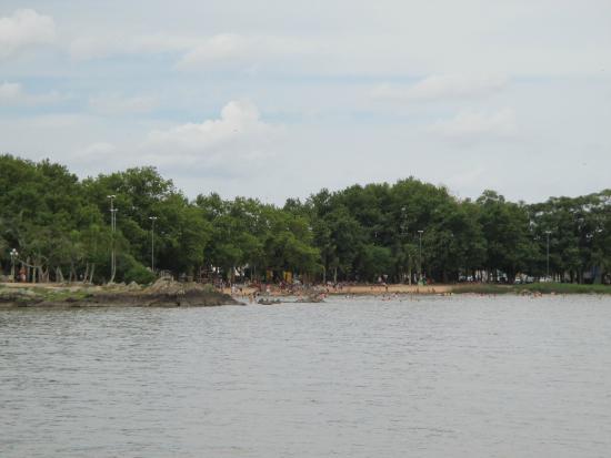 Sao Lourenco Do Sul, RS: Vista da praia no passeio do barco