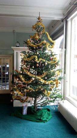 Hotel Coolidge - Christmas Tree
