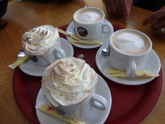 Hotel Le Cottage : Hot choc and coffees