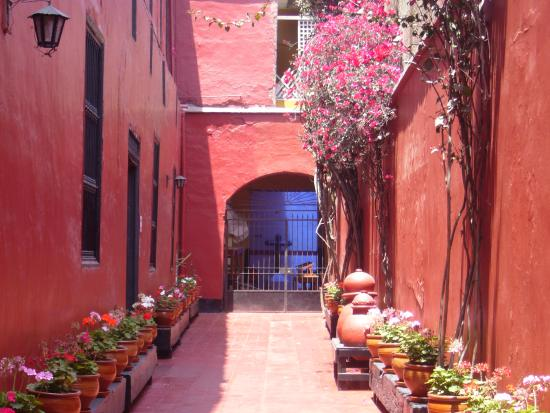 Cultural Immersion Day Tours: Colorful Cusco