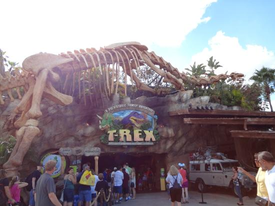 Scary picture of t rex orlando tripadvisor for Restaurant rex