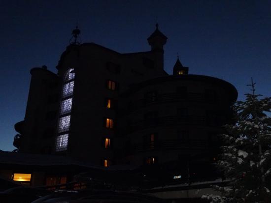Hotel Principi di Piemonte : Hotel at sunset