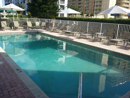 Shores Resort : HEATED POOL