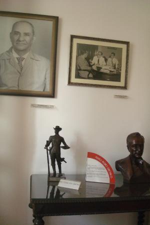 Museu Pedro Ludovico Teixeira : Saguão de entrada