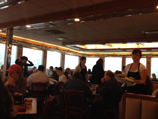 Blue Colony Diner: Diner is full on Sunday midday