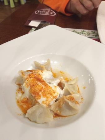 Rzym Restauracja: Tureckie Manti - wyborne pierożki z mięsem baranim - bardzo oryginalne.
