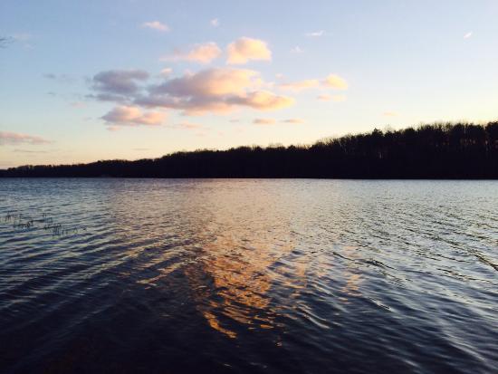 Burke Lake Park : Sun's reflection