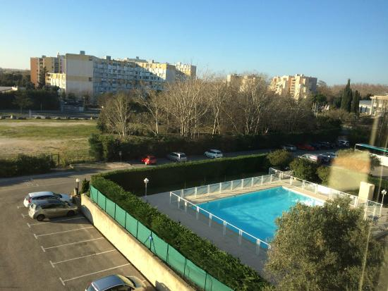 Ibis Budget Arles Palais des Congrès: piscina