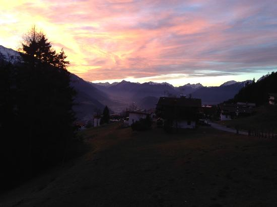 Hotel Pension Tyrol: sunset