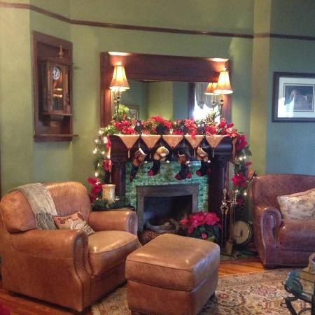 Hoyt House Bed and Breakfast: Christmas at the Hoyt House