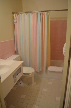 Rodeway Inn Cody: Bathroom