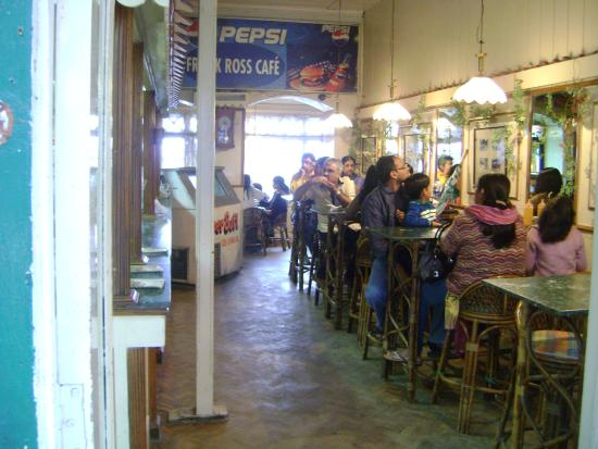 Frank Ross Cafe: The main dining area