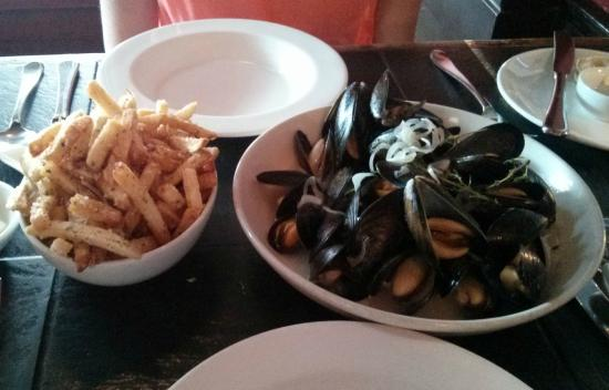 Brasserie L'ecole: Moules Frites with Truffle Fries