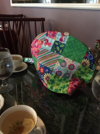 Royal Tea Room: Covered Teapot