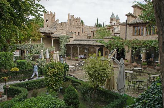 Hacienda del Cardenal : Gardens