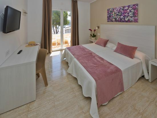 Flor Los Almendros Hotel and Apartments: Sea view room