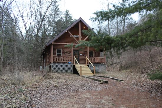 Candlewood Cabins: outside