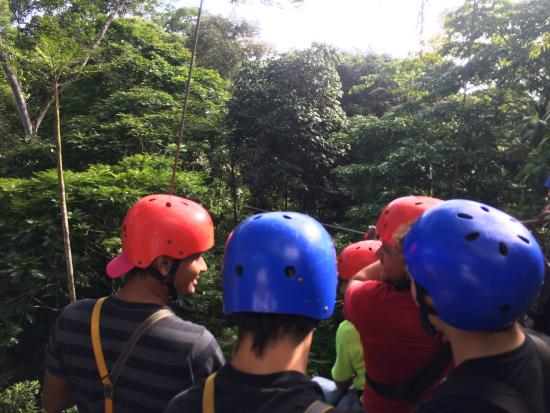 Costa Rica Fun Adventures : zip lining group