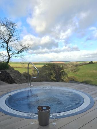 Gitcombe House Country Cottages: view from the hot tub