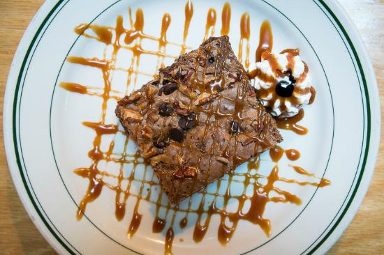 Gardner's Restaurant: Chocolate pecan brownie