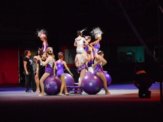 Sailor Circus: balancing on balls