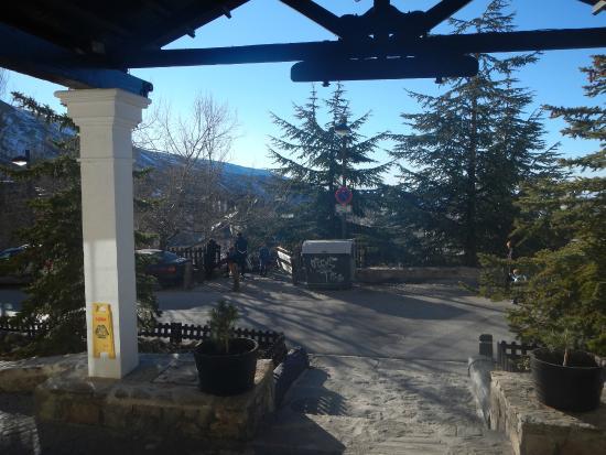 Kenia Nevada : vista desde la puerta del hotel
