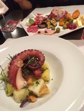 Tre Panoce: Kartoffelsalat mit Tintenfisch